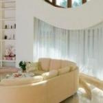 Дом с «поворотами»