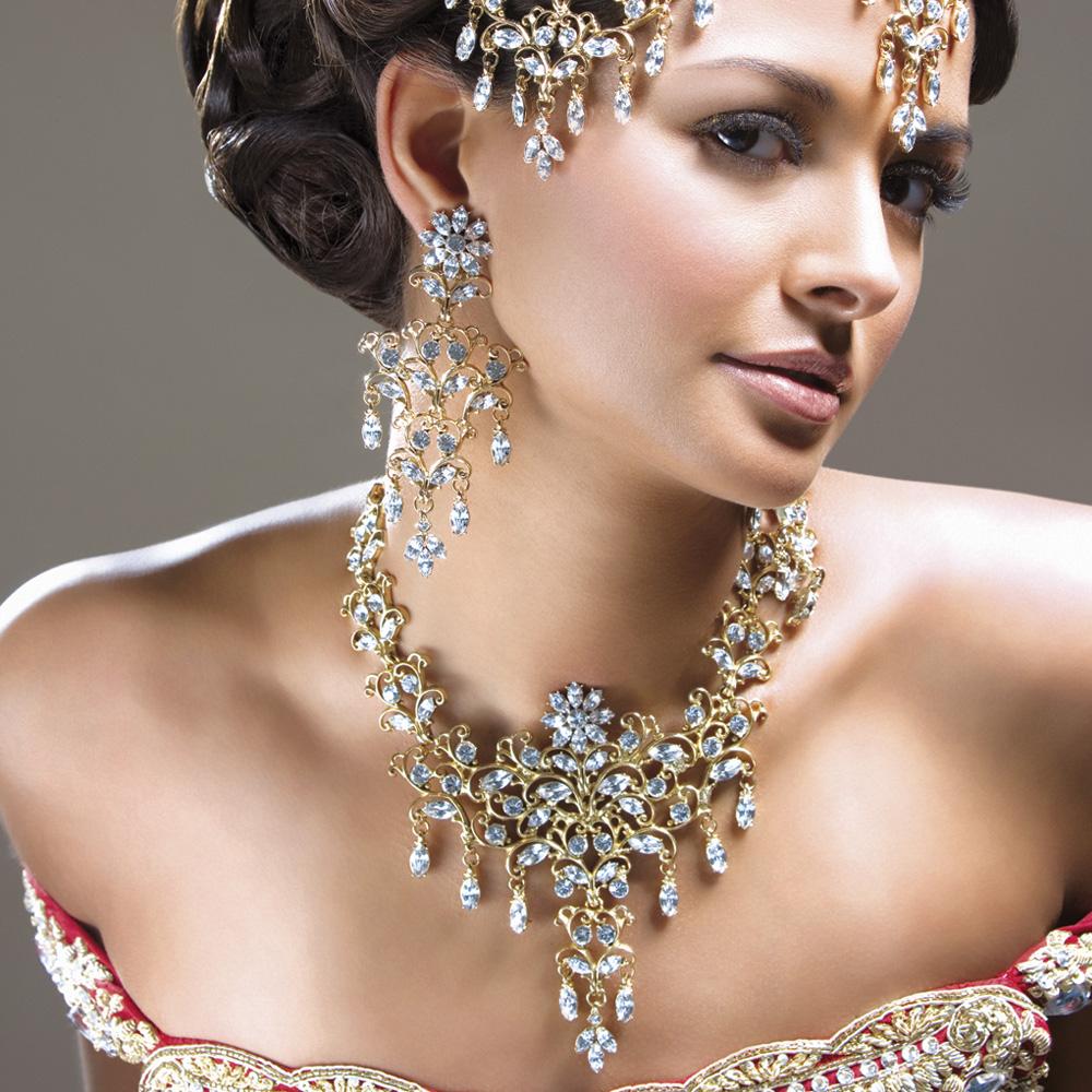 Картинки с ювелирными украшениями на женщинах, обж